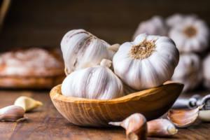 Should I Use Fresh or Dried Garlic for My Health